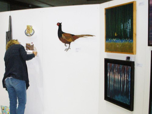 hwat-forum-norwich-setting-up-art-exhibition-pics-03
